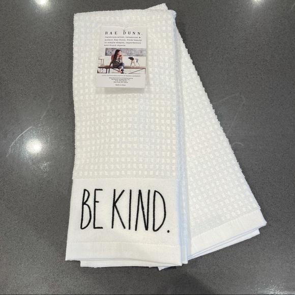 NWT Rae Dunn Towels Be Kind Kitchen Bathroom
